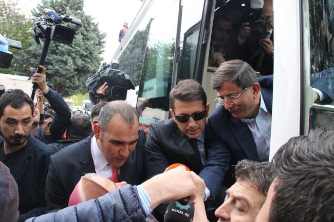 Ahmet Davutoğlu Konya'da böyle karşılandı 13
