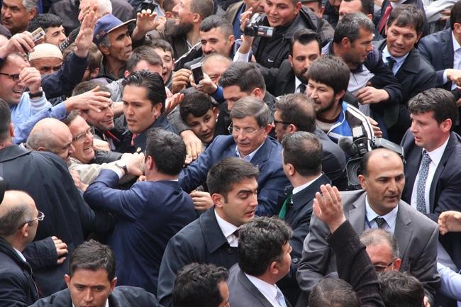 Ahmet Davutoğlu Konya'da böyle karşılandı 9