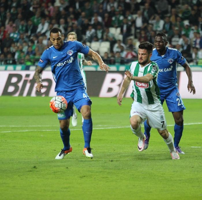 Konyaspor-Kasımpaşa maçının fotoğrafları 6