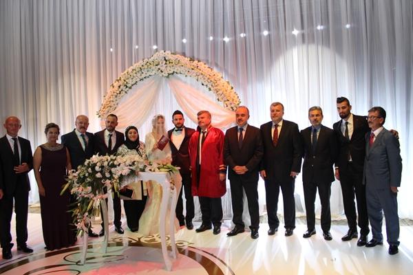 Konyasporlu Ömer Ali Şahiner evlendi 20