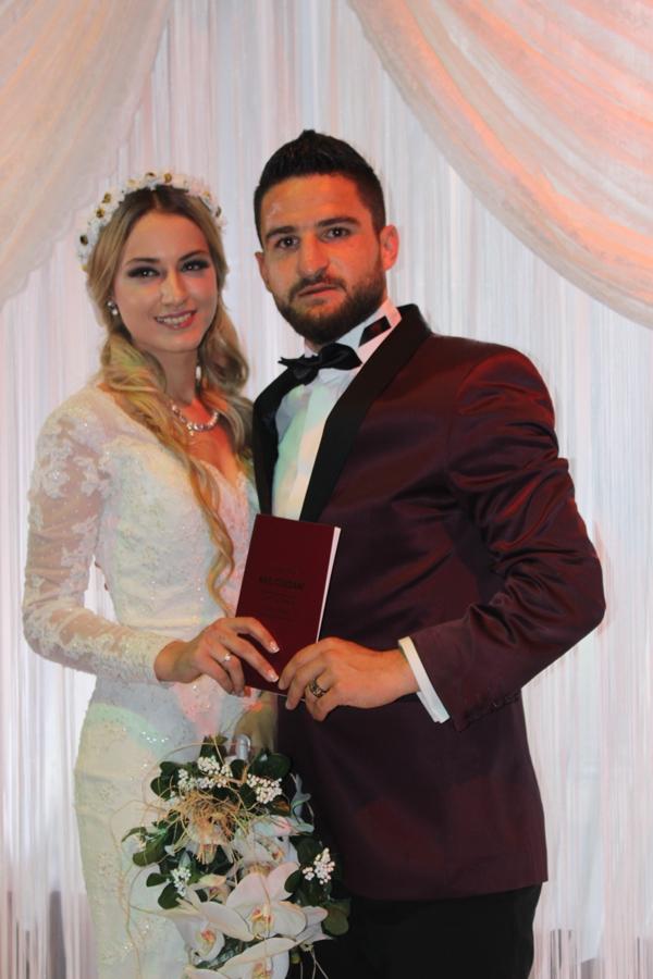 Konyasporlu Ömer Ali Şahiner evlendi 21