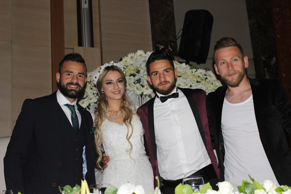 Konyasporlu Ömer Ali Şahiner evlendi 36