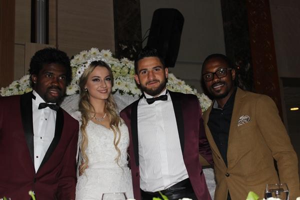 Konyasporlu Ömer Ali Şahiner evlendi 38