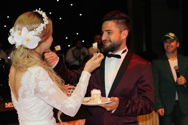 Konyasporlu Ömer Ali Şahiner evlendi 45