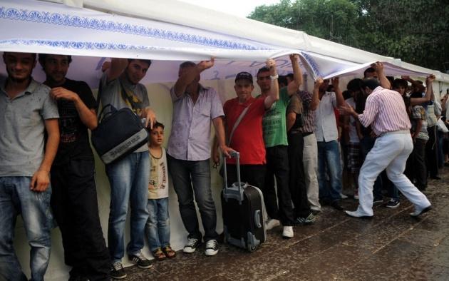 Yağmura yakalanan yurdum insanı 14