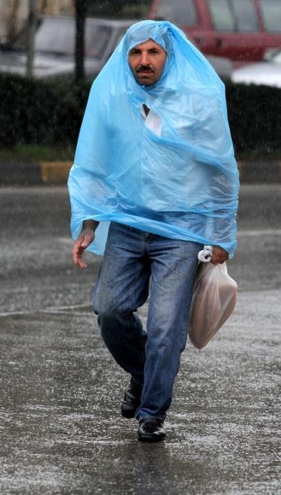 Yağmura yakalanan yurdum insanı 21