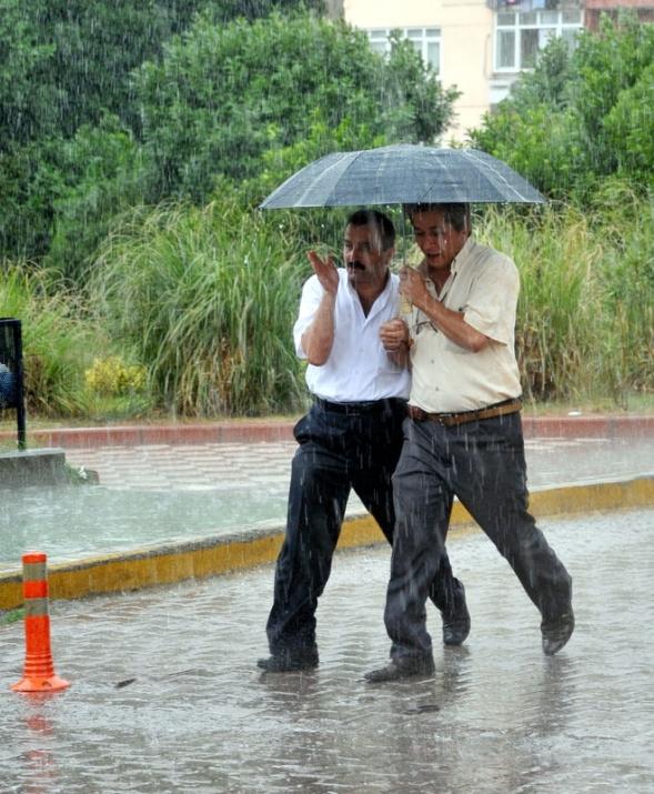 Yağmura yakalanan yurdum insanı 23