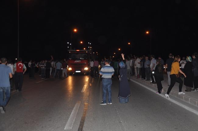 Konya'da Askeri Kalkışmaya büyük tepki 1