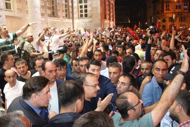 Konya'da Askeri Kalkışmaya büyük tepki 14