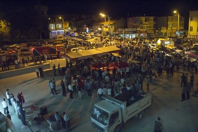 Konya'da Askeri Kalkışmaya büyük tepki 16