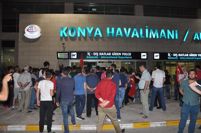 Konya'da Askeri Kalkışmaya büyük tepki 2
