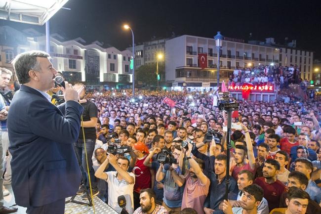 Konya'da Askeri Kalkışmaya büyük tepki 7