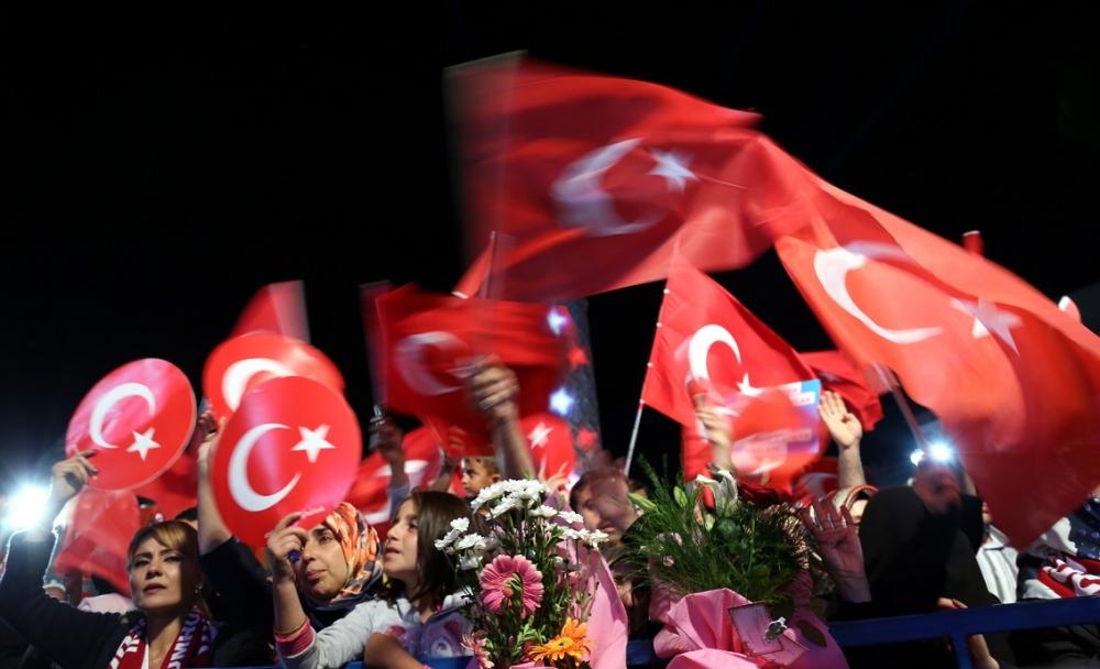 TÜRKİYE TEK RENK, TEK SES 16