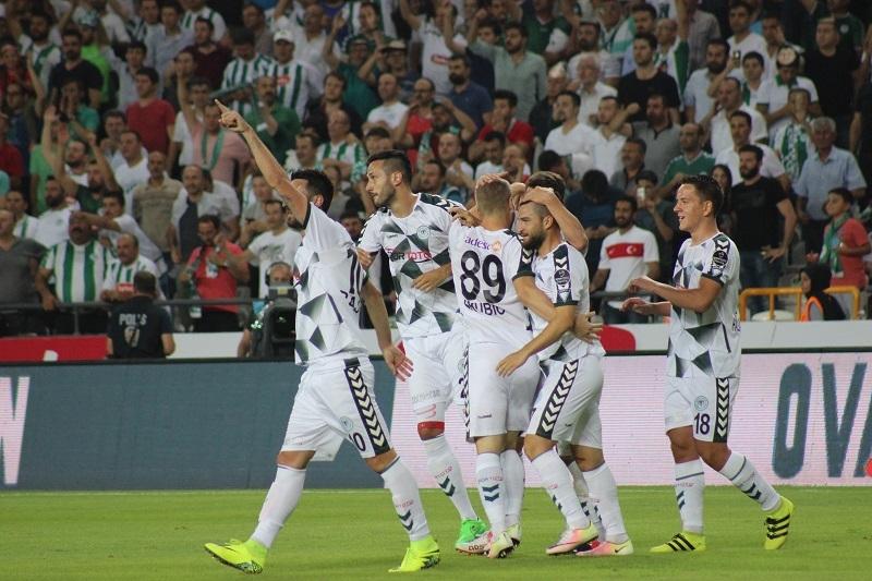 Atiker Konyaspor - Beşiktaş maçından kareler 10