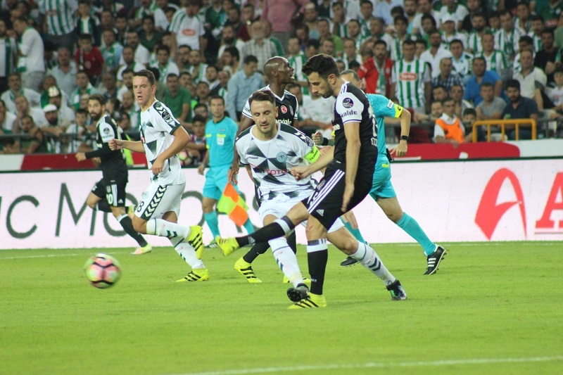 Atiker Konyaspor - Beşiktaş maçından kareler 17
