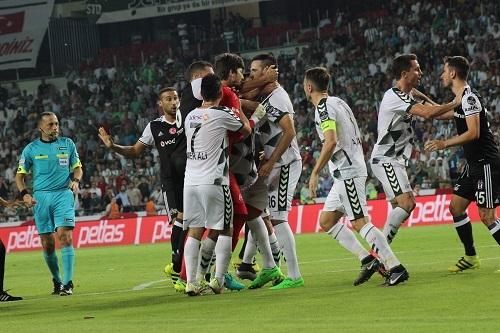 Atiker Konyaspor - Beşiktaş maçından kareler 21