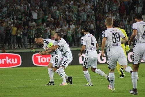 Atiker Konyaspor - Beşiktaş maçından kareler 9