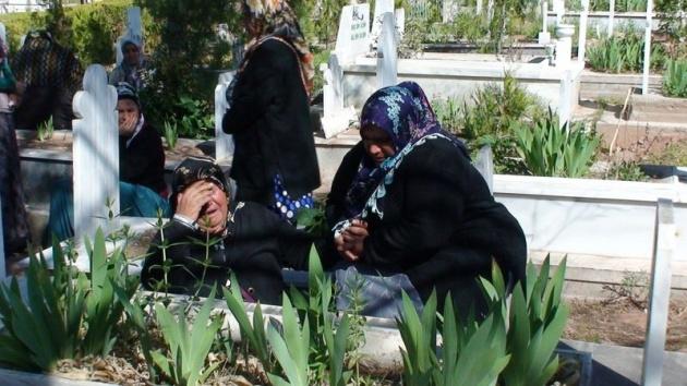 Aksaray'daki 3 kardeşin cenazesi toprağa verildi 11