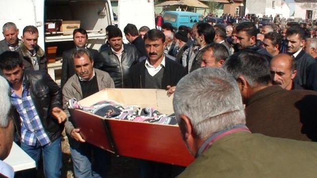 Aksaray'daki 3 kardeşin cenazesi toprağa verildi 5