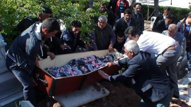 Aksaray'daki 3 kardeşin cenazesi toprağa verildi 6