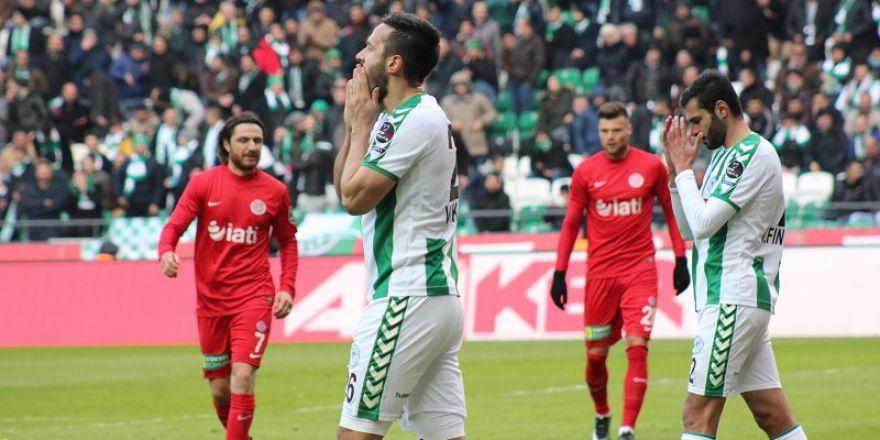 A.Konyaspor-Antalyaspor maçının özel kareleri