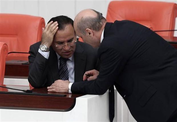Mecliste başbaşa konuşurken... 1