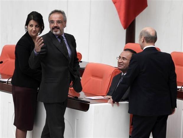 Mecliste başbaşa konuşurken... 5