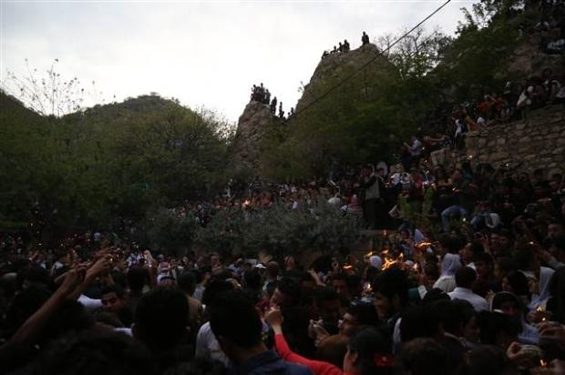 Yezidiler 'Kırmızı Çarşamba'yı kutladılar 20