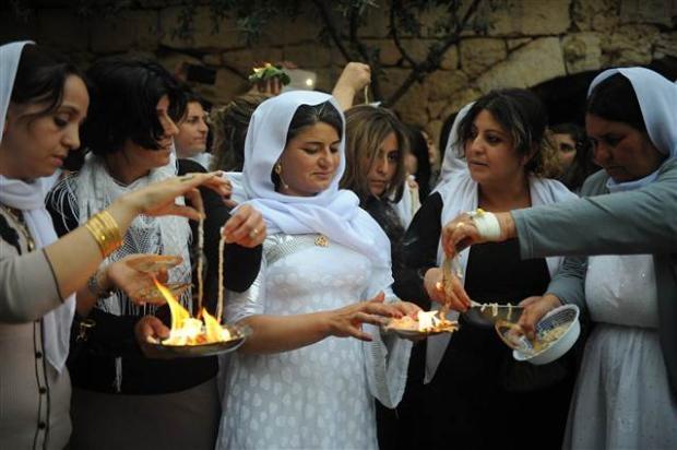 Yezidiler 'Kırmızı Çarşamba'yı kutladılar 28