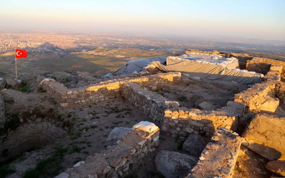 Konya'da alttan ısıtmalı hamam bulundu 1