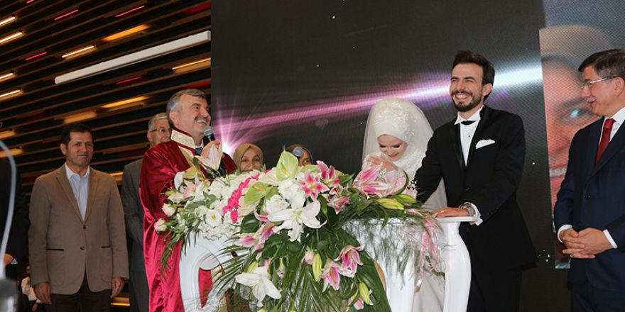 Konya Büyükşehir Belediye Başkanı Tahir Akyürek oğlunu evlendirdi