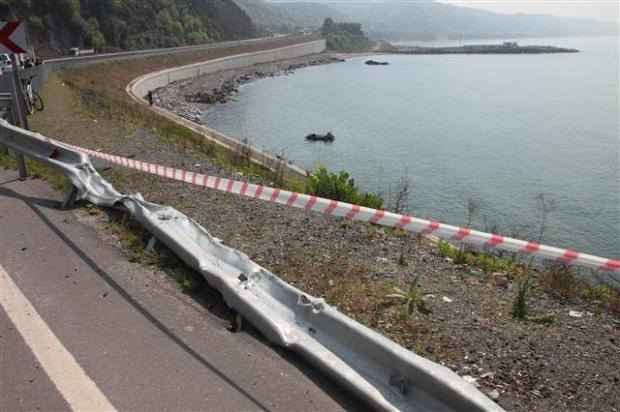 Zonguldak'ta araç denize uçtu 2