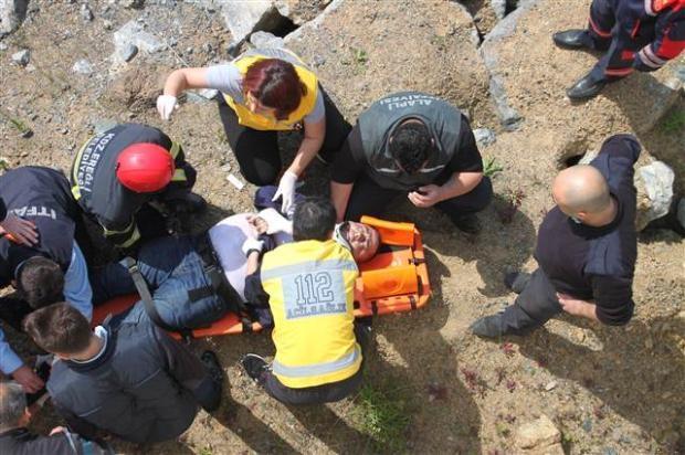 Zonguldak'ta araç denize uçtu 3