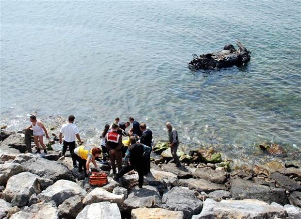Zonguldak'ta araç denize uçtu 8