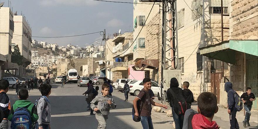 Evlerinde, sokaklarında esir insanların şehri: El Halil