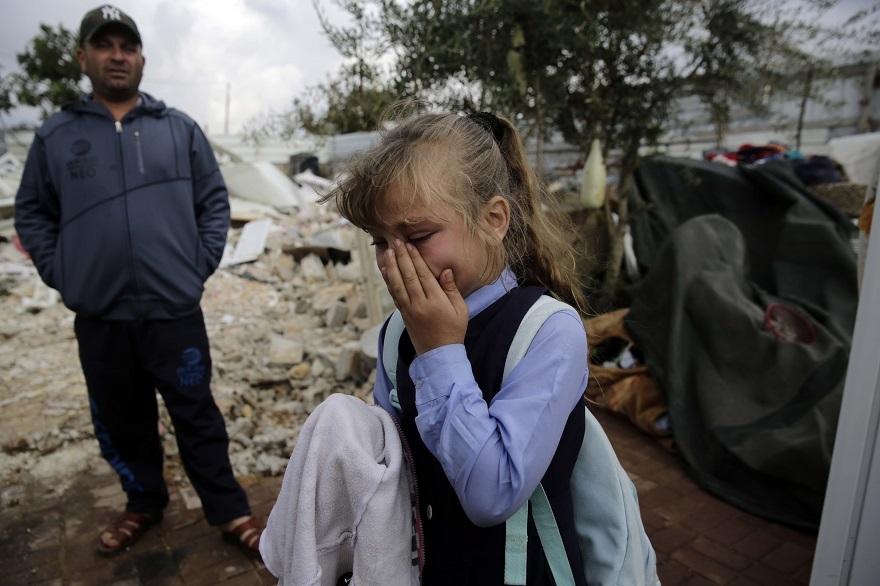 İsrail Doğu Kudüs'te Filistinlilere ait 3 evi yıktı 1