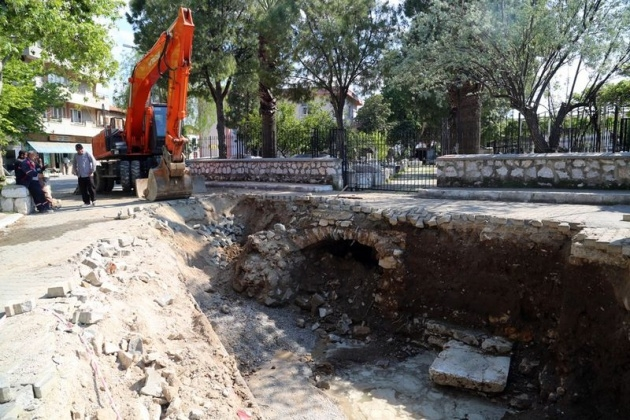 Kanalizasyon kazarken tarih çıktı! 1