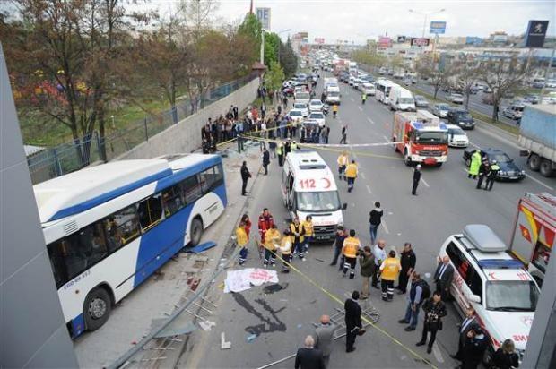 Ankara'da feci kaza 3 ölü 1