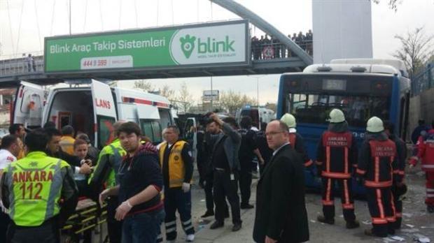 Ankara'da feci kaza 3 ölü 12