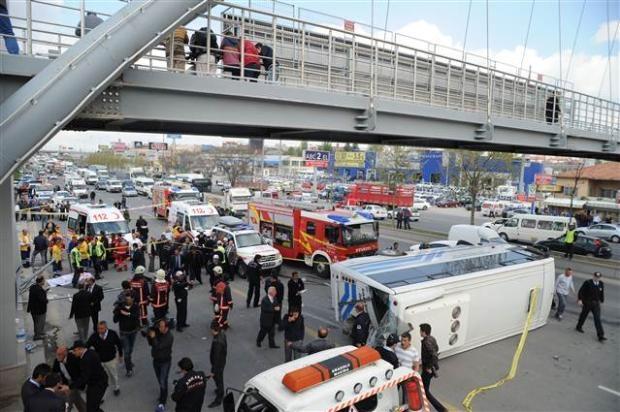 Ankara'da feci kaza 3 ölü 2