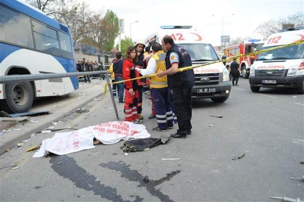 Ankara'da feci kaza 3 ölü 3