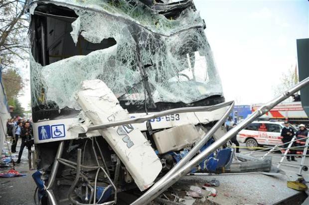 Ankara'da feci kaza 3 ölü 5