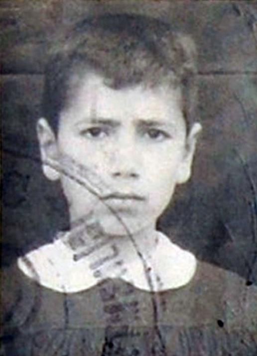 Başbakan ve Bakanların çocukluk fotoğrafları 10