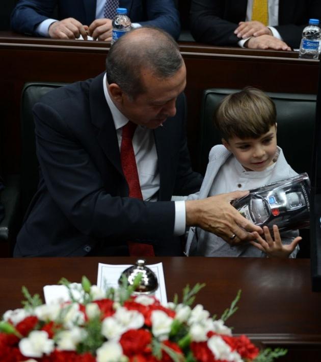 Başbakan'ın minik hayranından sevgi gösterisi 4
