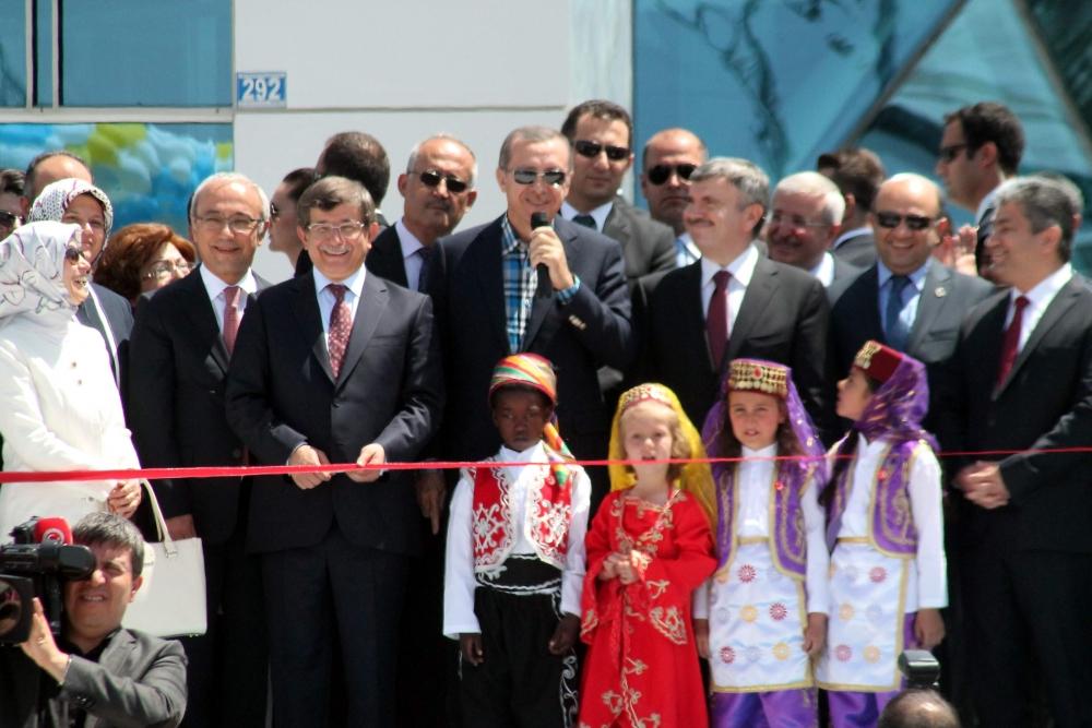 Erdoğan Bilim Merkezi'ni açtı 10