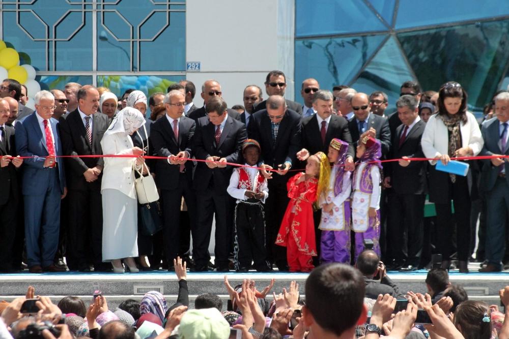 Erdoğan Bilim Merkezi'ni açtı 12