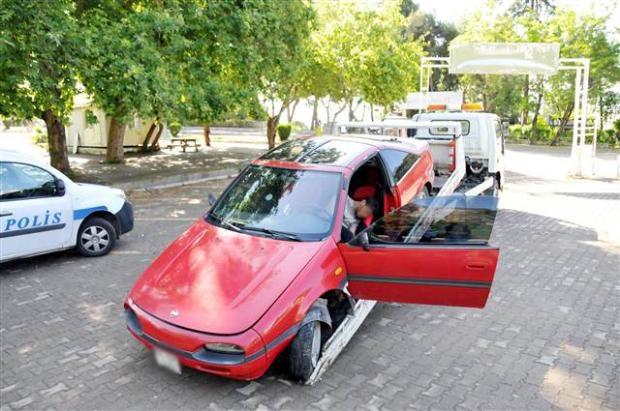 Otomobilinin içinde uyudu soğuk suyla ayıldı 3