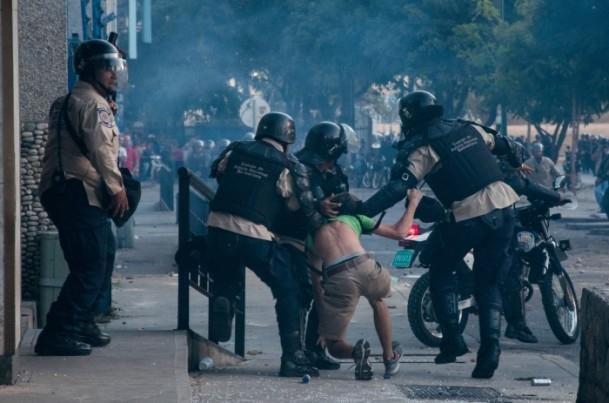 Venezuela'da Yönetim Karşıtı Gösteriler 8