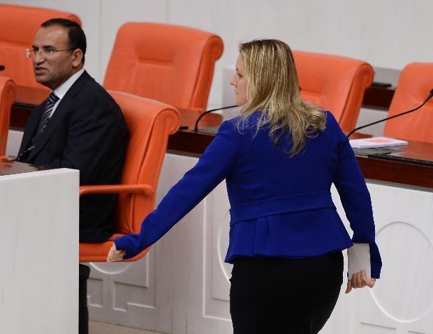 AK Partili vekil laf attı, CHP'li Hamzaçebi'den iltifat aldı 1