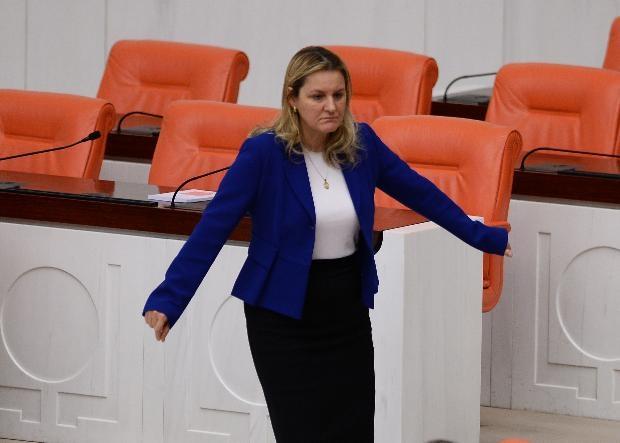 AK Partili vekil laf attı, CHP'li Hamzaçebi'den iltifat aldı 3